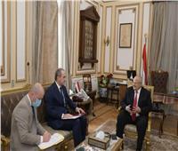 رئيس جامعة القاهرة يبحث التعاون الأكاديمي مع جامعات بيلاروسيا