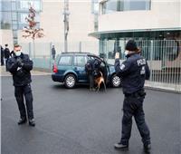 صور| اصطدام سيارة ببوابة مكتب أنجيلا ميركل في برلين