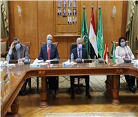 مبارك يستعرض تقرير عن آخر مستجدات «كورونا» بالمستشفيات الجامعية