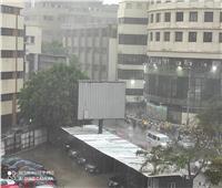 الطقس السيء يجتاح  شوارع القاهرة وتساقط أمطار رعدية .. فيديو وصور