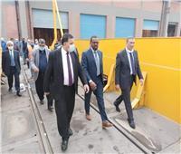 وزير النقل السوداني في «إيرماس» لبحث التعاون في صيانة الجرارات | صور