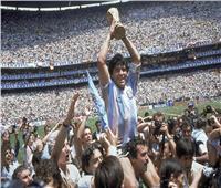 يونس: مارادونا صانع خيال لاعبي الكرة في العالم كله
