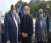 محافظ القاهرة يتابع عمليات شفط المياه وتسيير الحركة المرورية| فيديو