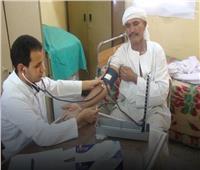 قافلة طبية لفحص وعلاج المرضى بنجع الوحدة في الأقصر