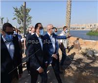 رئيس الوزراء يتفقد أعمال تطوير منطقة سور مجرى العيون