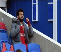 فيديو| محمد صلاح يصنع هدف ليفربول الأول ويخرج من الملعب