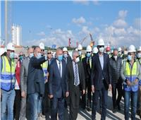 وزير النقل يتفقد الوصلة الحرة الرابطة ميناء الإسكندرية بالطريق الدولي الساحلي