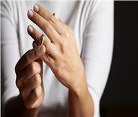 «فتاوى القوارير».. هل يجوز خطبة المرأة بعد طلاق بائن أثناء العدة؟
