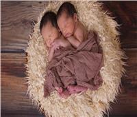 حيلة من زوجين لإنجاب توأم يفصل بينهما عامان
