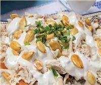 طبق اليوم.. طريقة عمل «فتة الدجاج بالأرز والحمص»