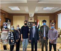 بعد شكواهم.. رئيس جامعة بني سويف يلتقي طلاب كلية إعلام