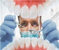 طبيب يكشفسبب فقدان الأسنان بعد كورونا