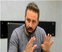حازم إمام مطمئنا الجماهير البيضاء: «الدولة مش هتسيب الزمالك»