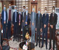 «القاضي» يبحث وفد من وزارة الصحة لرفع وتحسين خدمات الرعاية الأولية
