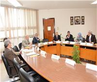 كلية التجارة بأسيوط تستقبل لجنة من المجلس الأعلى للجامعات