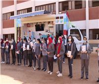 فريق توعية لطلاب المدارس من خدمة العملاء بـ«مياه أسيوط»