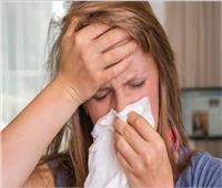 «أستاذ ميكروبيولوجي» يكشف سبب الإصابة بالإنفلونزا رغم تناول المصل