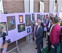 افتتاح معرض الفنون التشكلية بجامعة أسيوط