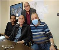 أشرف زكي يستقبل الفنان محمد عبد الحليم بأكاديمية الفنون | فيديو وصور