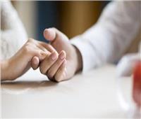 «الدين بيقول إيه»| هل لمس الزوجة ينقض الوضوء؟