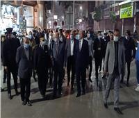 محافظ القاهرة يتابع مواعيد غلق المحلات التجارية | صور