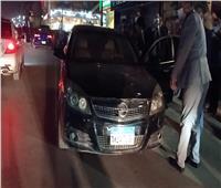 محافظ القاهرة يضبط سيارة تسير عكس الاتجاه ويتخذ الإجراءات القانونية ضدها