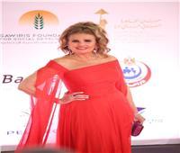 فستان يسرا يخطف الأنظار خلال افتتاح مهرجان القاهرة السينمائي |صور