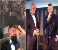 الصلح بين السقا وتامر حسني بافتتاح مهرجان القاهرة | فيديو