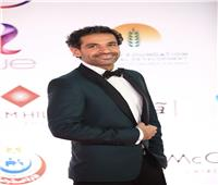 صور | صدقي صخر يتألق بإطلالة «خضراء» في افتتاح مهرجان القاهرة السينمائي