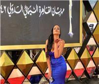 بطلة «الألماني» تتألق على السجادة الحمراء في مهرجان القاهرة السينمائي .. صور