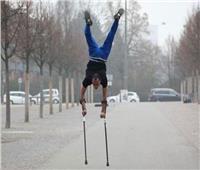 هجرته والدته بسبب إعاقته.. فدخل موسوعة «جينيس»
