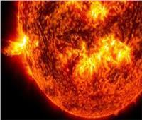 متى تبدأ الشمس بتهديد الأرض؟.. «الدراسات الفضائية» تُجيب