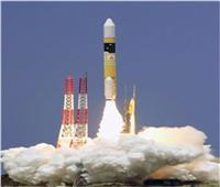 صاروخ النقل «سويوز» يحمل إلى الفضاء أقمارا صناعية وأجهزة