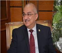 رئيس جامعة أسيوط يشكل مركزًا لتنظيم المؤتمرات برئاسته