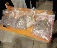 ضبط محاولة تهريب كمية من الأقراص والمواد المخدرة بمطار الغردقة.. صور