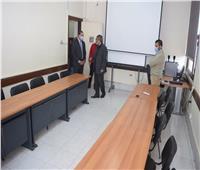 رئيس جامعة سوهاج يتابع تطوير مركز ضمان الجودة