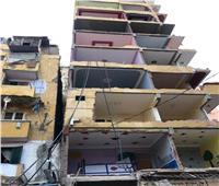 «كارثة جديدة».. عقار كرموز المائل يهدد 12 أسرة