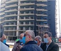 قيادات الإسكان يتفقدونأعمال التشطيبات بالأبراج الشاطئية بالعلمين الجديدة