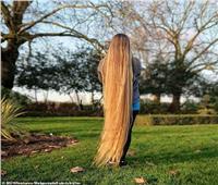 بسبب شعرها.. فتاة تتلقى رسائل مشينة من الرجال