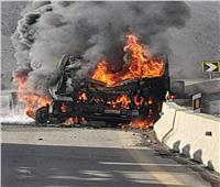 مصرع سائق في حادث تصادم.. واشتعال سيارته في السويس