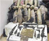 مداهمة أوكار الإجرام.. وضبط 225 قطعة سلاح و275 قضية مخدرات
