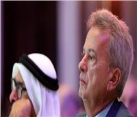 متظاهرون يطاردون حاكم مصرف لبنان ويصفونه بـ«السارق» | فيديو