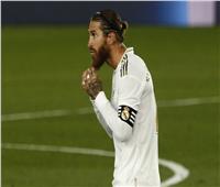 «لابورتا» يكشف موقفه من انضمام «سرجيو راموس» إلى برشلونة