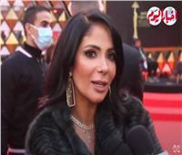 منى زكي بعد تكريمها بجائزة فاتن حمامة: «لسة قدامي كتير».. فيديو