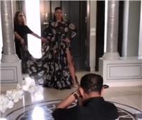 شاهد| رانيا يوسف بـ«فستان الجماجم»