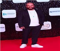 محمد عبد الرحمن يتسلم جائزة أفضل مسلسل أونلاين في استفتاء وشوشة