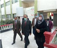 محافظ شمال سيناء يتفقد لجان الانتخابات بمدينة العريش