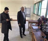 رئيس لجنة التعليم والبحث العلمي يدلي بصوته في الإسماعيلية