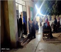 قبل إغلاق اللجان.. استمرار توافد المواطنين على لجان قليوب والقناطر