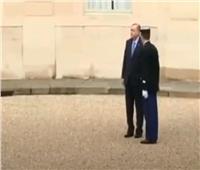 أحمد موسى يعرض الاستقبال المهين لـ«أردوغان» فى قصر الإليزيه